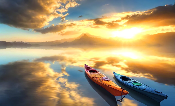 Dva čamca na jezeru u zoru