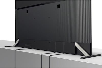 Slika stražnje strane televizora s prikazanom organizacijom kabela